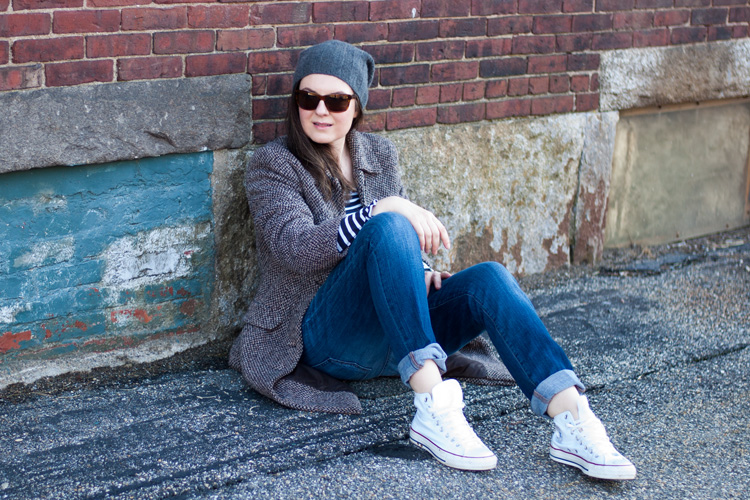 coat boyfriend jeans and white sneakers