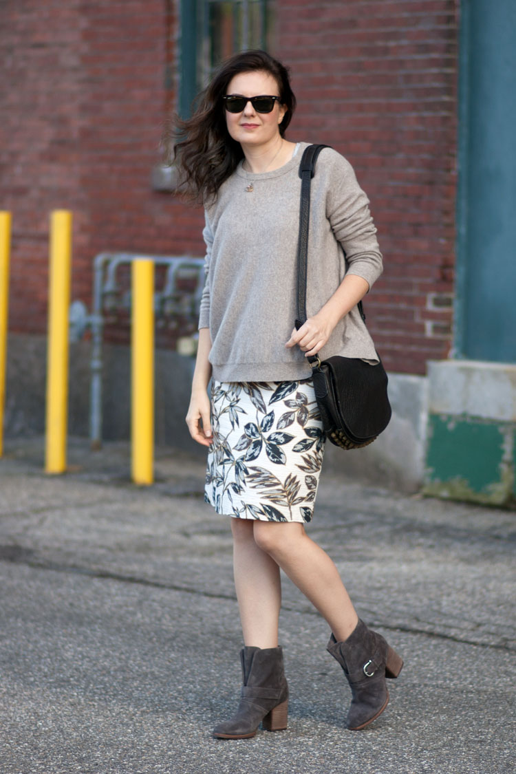 Street style blogger statement skirt and sweater
