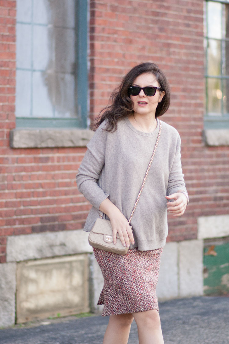 fall outfit oversized sweater and pencil skirt