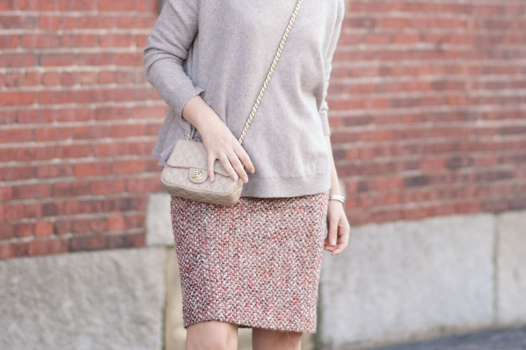 cashmere sewater and pencil skirt fall outfit blogger