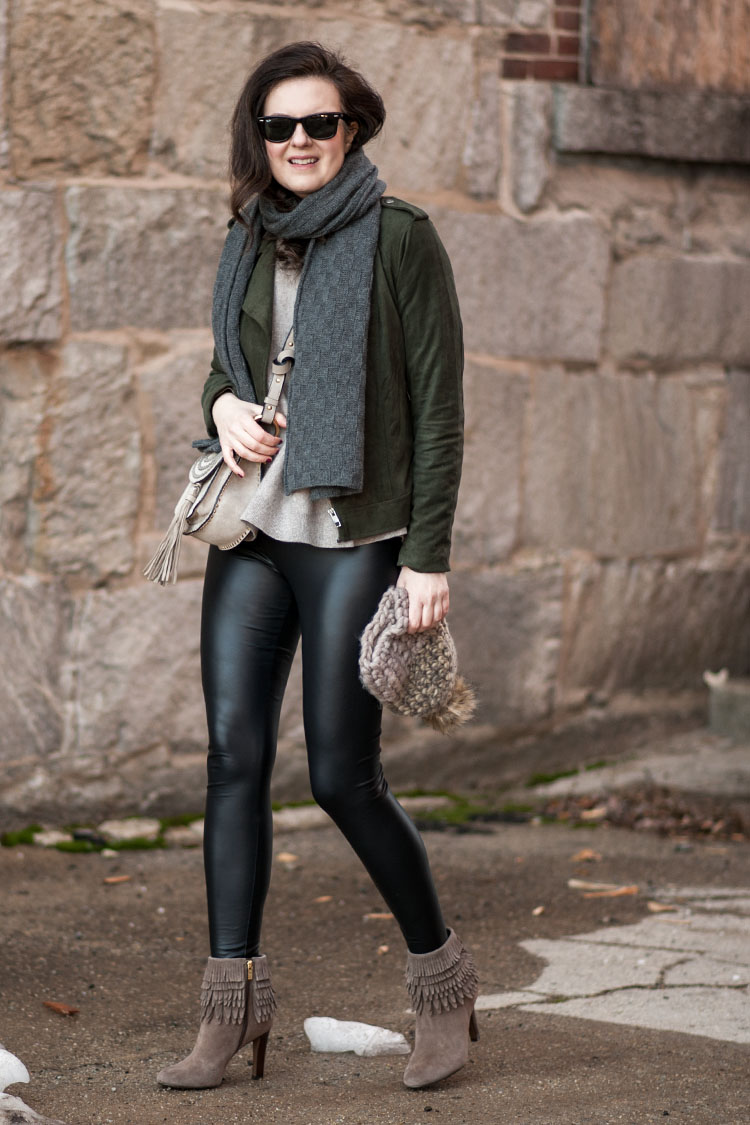 how to style black leather leggings like a blogger