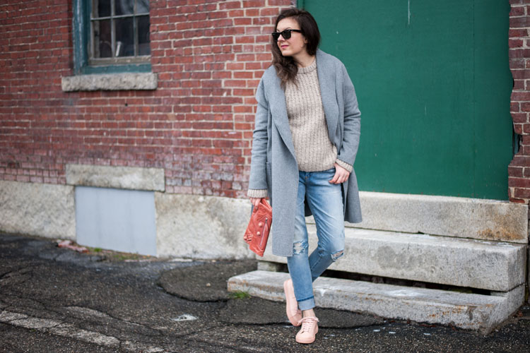 How to wear blush sneakers